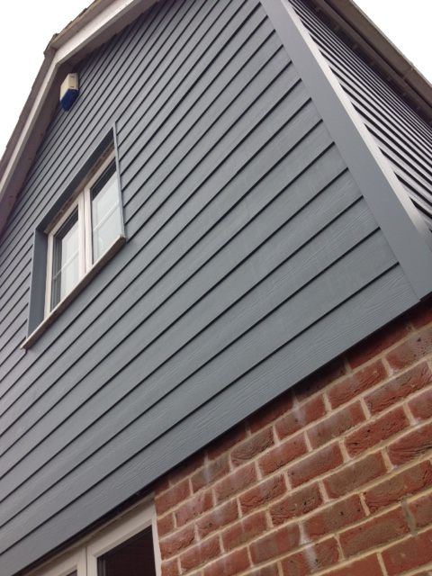 2. Range of Colours & Textures - Hardie Plank cladding is available in 21 colours and 2 finishes meaning that there is a perfect combination for almost any property, the boards can be fitted horizontally, vertically or even diagonally for a real striking finish.