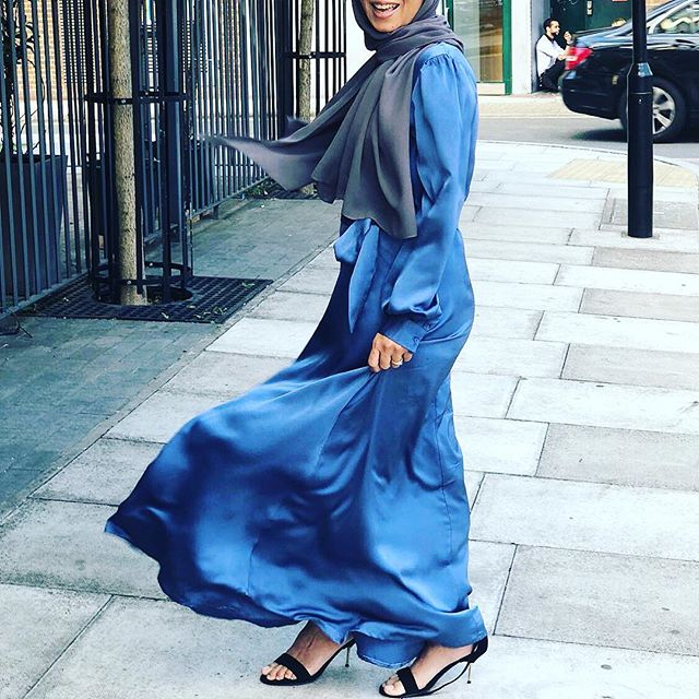 Eid Look 💙 . . #bluedress #modestwear #eidoutfit #eid #london #designer#hijabi #hijabfashion