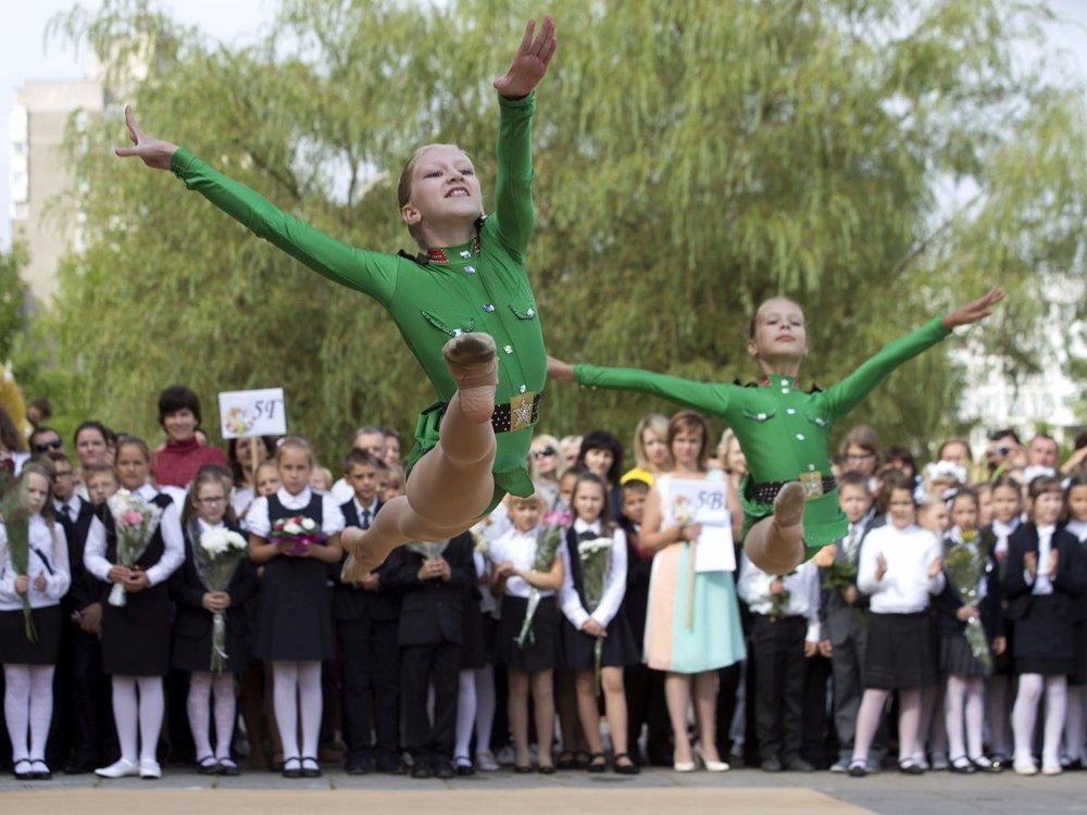 Màn chào mừng năm học mới tại Minsk, Belarus (nguồn: REUTERS/Vasily Fedosenko)
