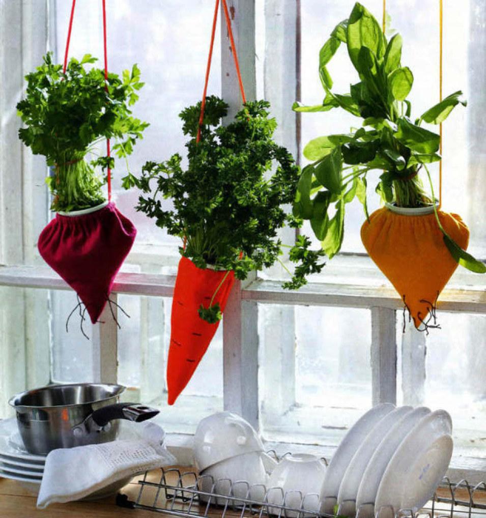 Cách trồng rau sạch trong túi cần đảm bảo rằng túi vải có khả năng thoát nước.Túi vải phù hợp trồng rau xà lách, diếp cá,… hay thảo mộc cho bếp.
