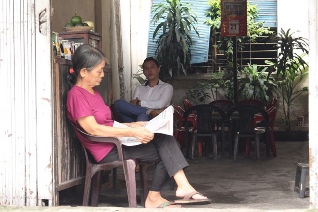 Quán cà phê của bà có tuổi đời cũng ngót nghét 60 năm