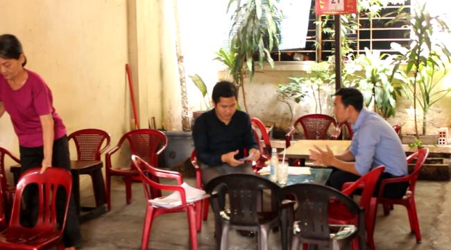 """Không có wifi như những quán cà phê hiện đại khác, đến đây người ta """"siêng"""" trò chuyện với nhau hơn"""