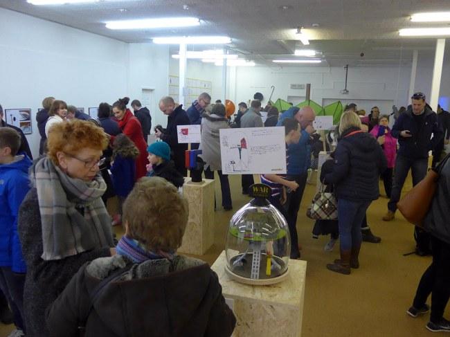 Những buổi triển lãm thu hút rất đông người tham gia