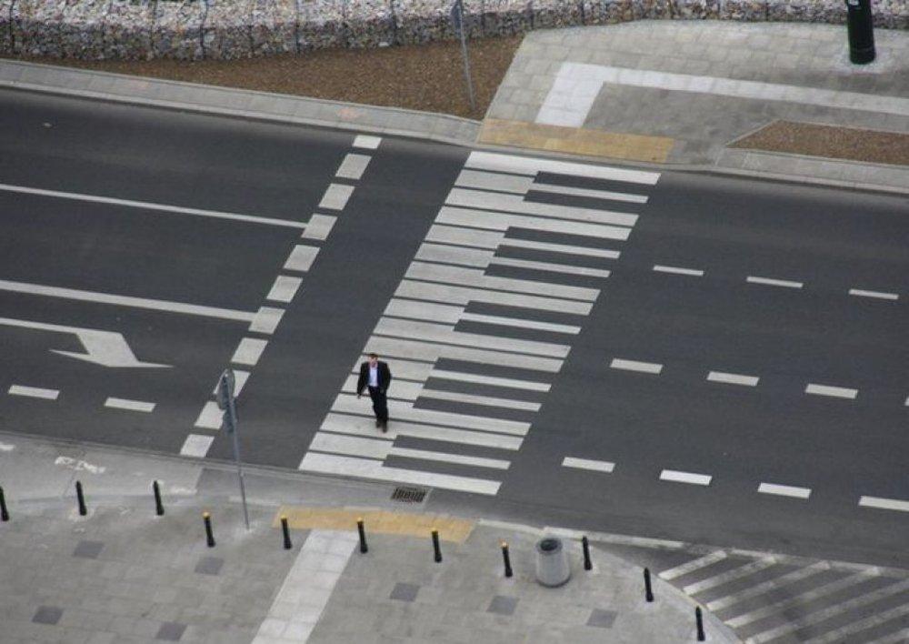 Ảnh: Những phím đàn piano trên đường phố Warsaw, Balan. Nguồn: theguardian.com