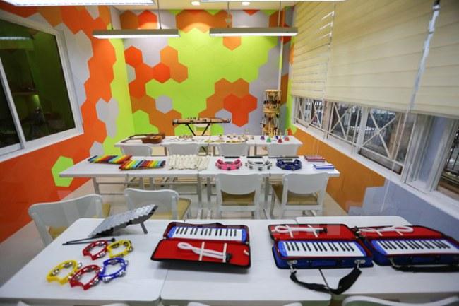 Bên cạnh đó, là các không gian tương tác khác như phòng đồ chơi, phòng trải nghiệm âm thanh nhạc cụ, phòng nghe nhạc riêng. (Ảnh: Minh Sơn/Vietnam+)