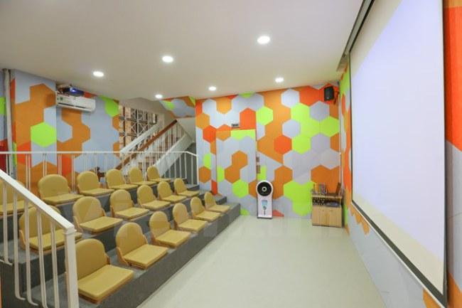 Phòng chiếu phim với đầy đủ tiện nghi. (Ảnh: Minh Sơn/Vietnam+)