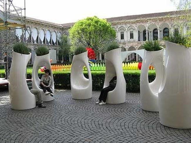 Ảnh: Những chiếc ghế cũng là bồn hoa trồng cây (San francisco, Mỹ). Nguồn: printerest.com