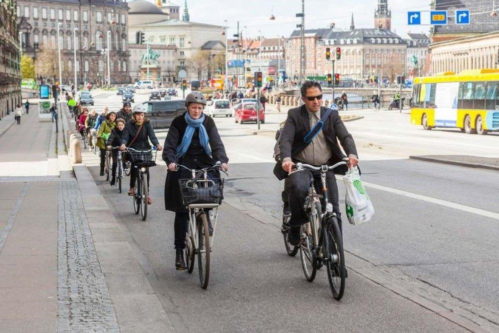 Ảnh: Làn xe đạp riêng trên đại lộ ở Copenhagen