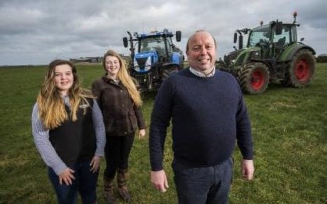- Iain Green, một nông dân vùng Elgin, Moray đã thử nghiệm ý tưởng này từ tháng 9.
