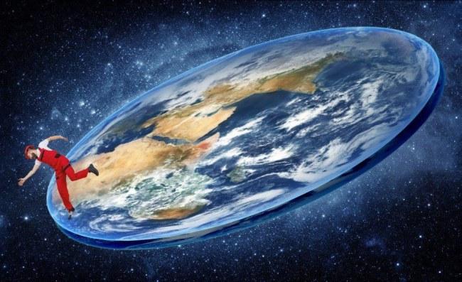 Mike phản đối luận điểm trái đất hình quả cầu (Ảnh minh họa).