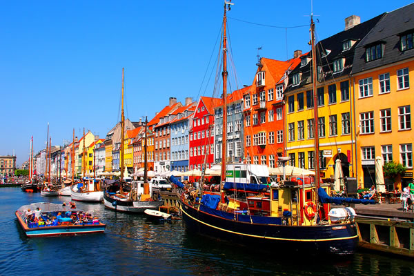Khu phố Nyhavn tại thủ đô Copenhagen, Đan Mạch -