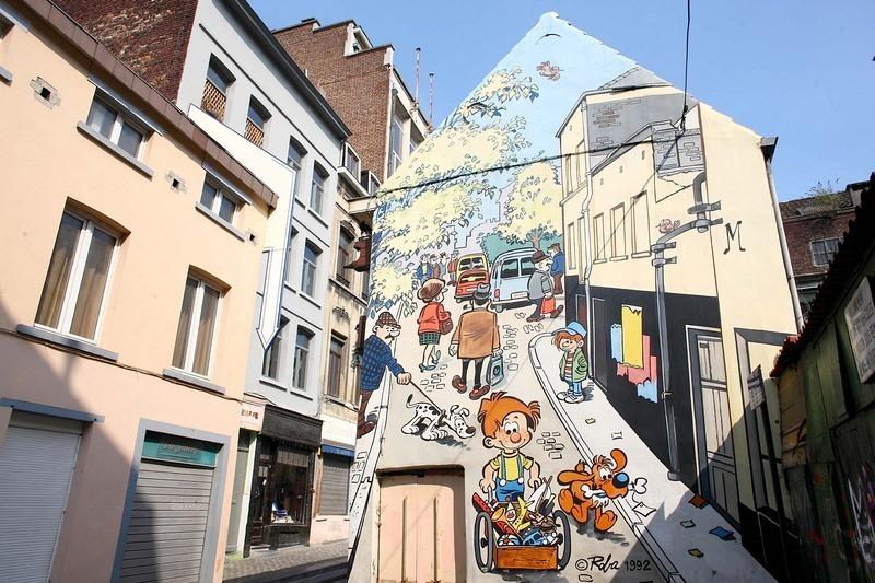 - Nếu lang thang trên một con hẻm nhỏ, bạn có thể được gặp gỡ nhân vật trong truyện tranh Boule và Bill.
