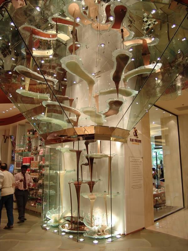 Đài phun Sô cô la lớn nhất thế giới -
