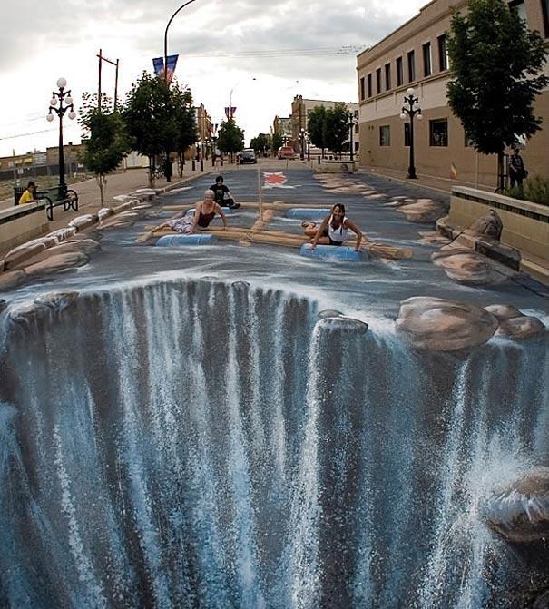 Lội suối ngay trên phố, quả là đỉnh cao về độ độc đáo. Tác phẩm của nghệ sĩ đường phố người Đức Edgar Mueller.