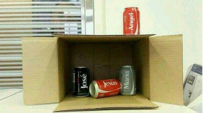 Phát minh của Coca Cola thật là tiện, mình đỡ phải trang trí hang đá.