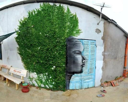 Hơn cả một gương mặt đơn thuần, với tác phẩm này, nghệ sĩ còn muốn truyền tải thông điệp bảo vệ môi trường, bảo vệ mẹ trái đất và gìn giữ cây xanh.
