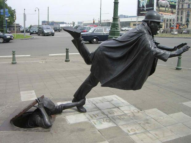 Trên hè phố trung tâm Brussel, Bỉ, chỉ để mọi người thêm chút niềm vui khi ngang qua.