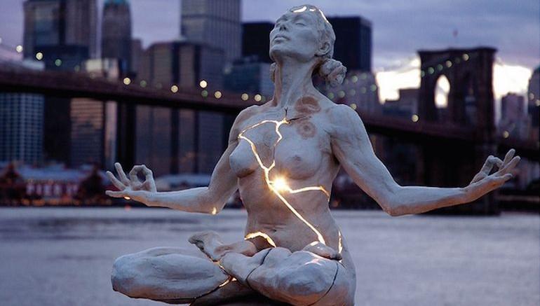 Nội lực – tác phẩm hết sức độc đáo của nghệ sĩ Paige Bradley tại Newyork, Mỹ.