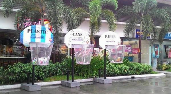 Hãy bỏ rác điêu luyện như ném bóng rổ - ý tưởng thùng rác khá vui nhộn được đặt gần một nhà hàng tại thủ đô Manila của Philippin.