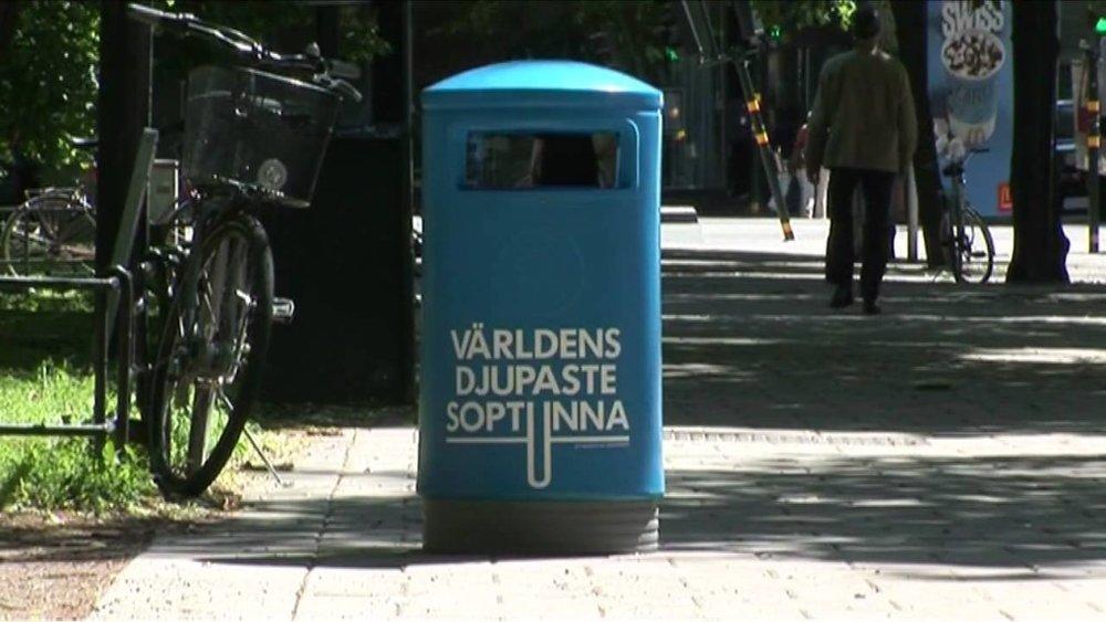 Thùng rác 'sâu' nhất thế giới -
