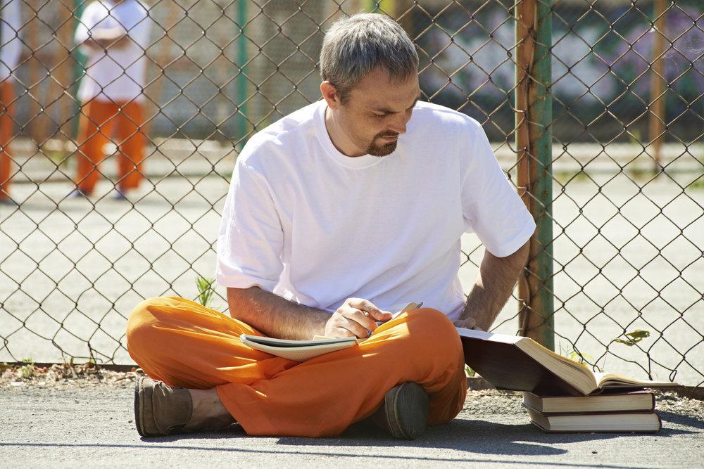 Trao đổi thư từ với một người đang thụ án -