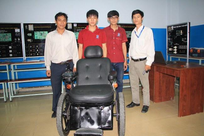 Sản phẩm xe lăn điện là thành quả của nhóm giảng viên và sinh viên ĐH Nguyễn Tất Thành.