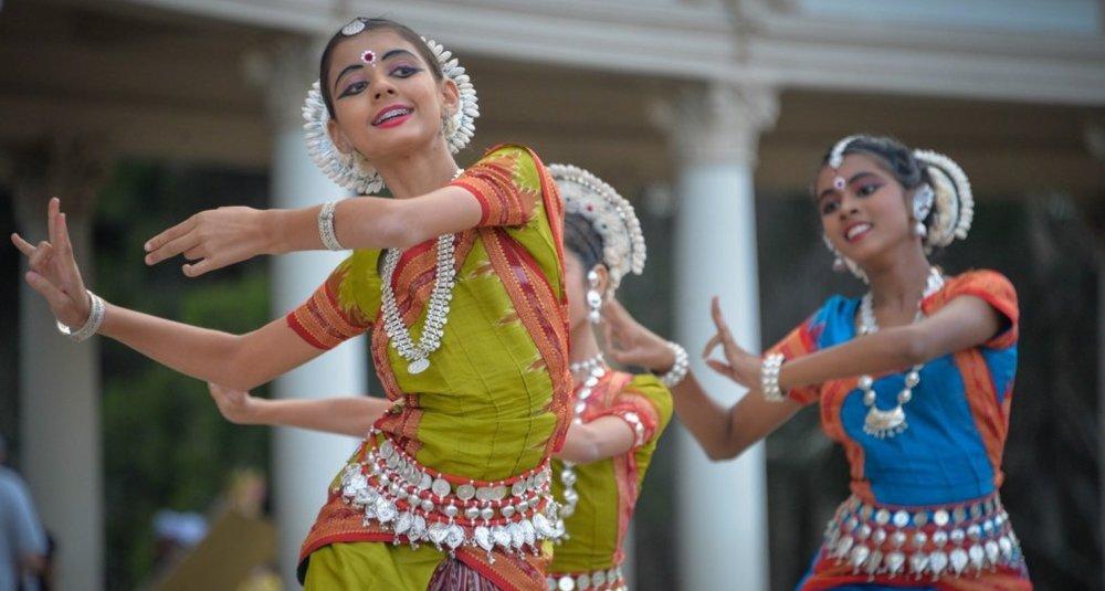 female-dancer-cultural-woman-smile-1500x1001.jpg