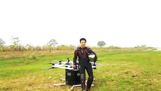 Mới đây, anh Trí đã tự mình thử nghiệm lái thiết bị bay và kết quả ban đầu đạt được khá tốt.Ảnh: Dân Trí