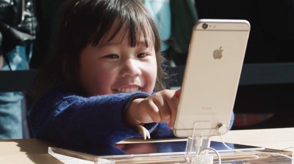 - Theo kết quả một cuộc khảo sát thói quen sử dụng điện thoại của trẻ em Đông Nam Á, có đến 70% trẻ em ở độ tuổi từ 6 – 14 chơi game di động trong thời gian rảnh rỗi của mình.
