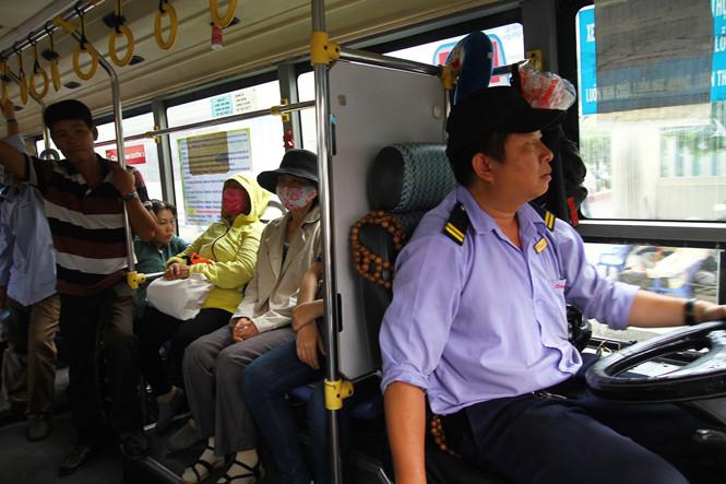 Trong thời gian lái xe buýt, anh Huy gặp không ít trường hợp hành khách bị móc túi. Điều đó khiến anh căm ghét bọn móc túi hành khách đi xe. Đơn cử lần gần đây nhất khiến anh không thể km được cảm xúc. Đó là một hành khách nữ từ Gia Lai đến bệnh viện Ung bướu khám bệnh. Tuy nhiên khi lên xe người phụ nữ này bị móc túi mất hết tất cả số tiền mang theo. Sau đó người phụ nữ này không giữ được bình tĩnh, khóc lóc van xin hành khách khác tìm giúp