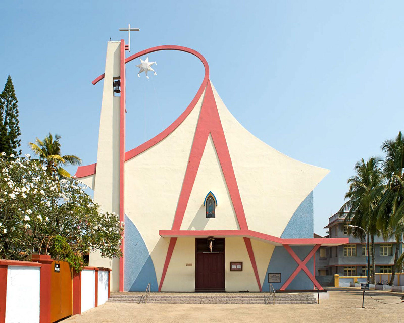 Nhà thờ Our Lady of Miracles tại Thoppumpady, Kerala