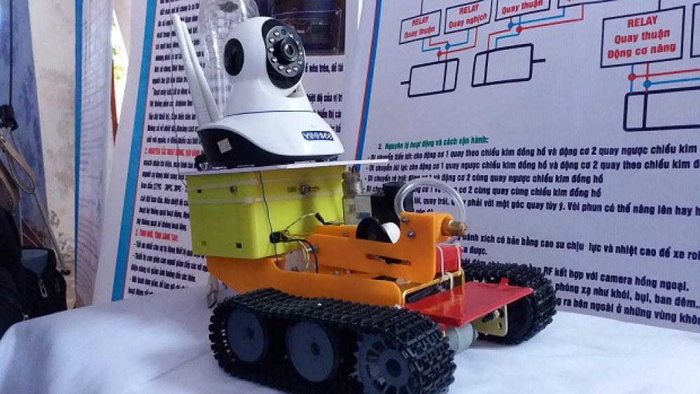 Tổng chi phí của Robot khoảng 2 triệu đồng. Ảnh: Nhật Tuấn.