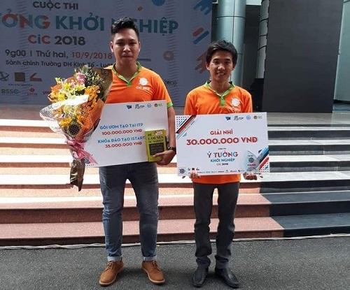 Nhóm tác giả nhận giải thưởng ý tưởng Cuộc thi khởi nghiệp CiC năm 2018.