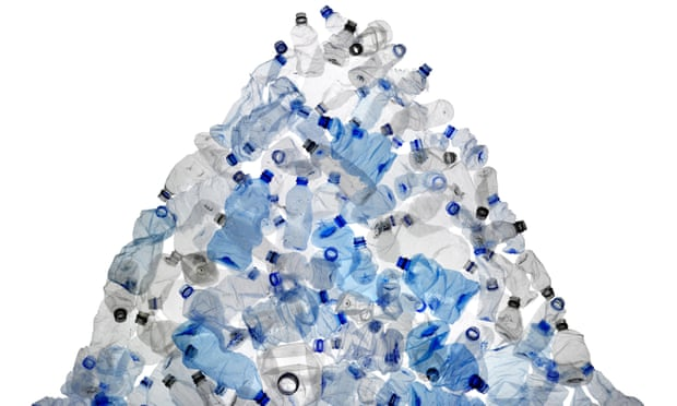 Chương trình trả phí gửi xe bằng vỏ chai nhựa nhằm góp phần giải quyết vấn nạn về ô nhiễm rác thải nhựa.