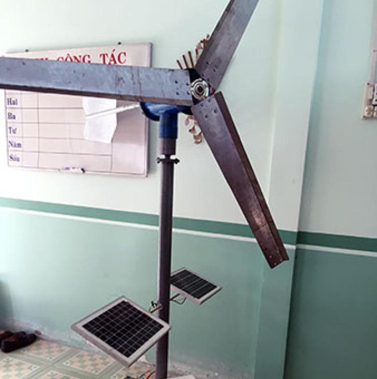 Mô hình máy phát điện 2 trong 1 của thầy giáo Phạm Công Danh.