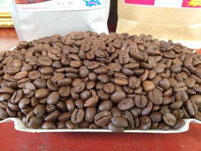 Những hạt cà phê Sơn La cho hương vị thơm ngon, đậm đà một phần cũng nhờ có quá trình bóc, tách vỏ cà phê nhanh chóng, hiện đại, không làm biến đổi mùi vị của cà phê.
