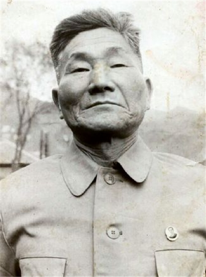 An Elderly Byung-in Yoon Trapped in North Korea (circa 1980)