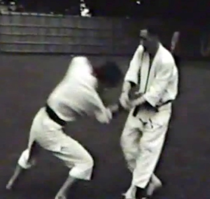Mr. Mumpower applies kote-gaeshi against Mr. Ohba (1960)