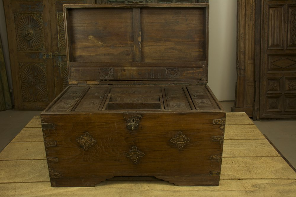 Large Storage Chest