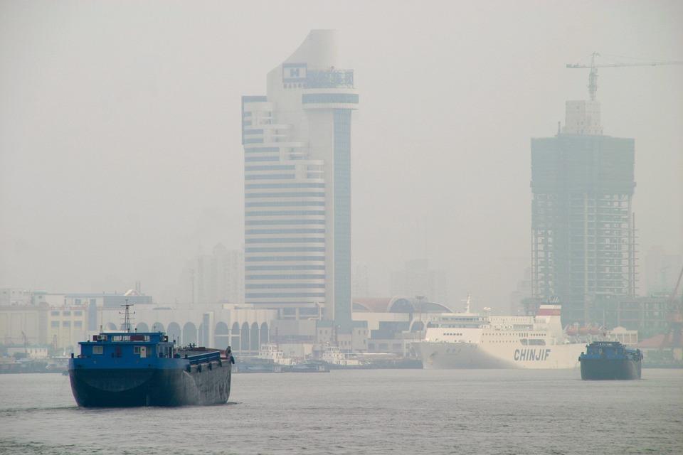 Smog in Shanghai, China