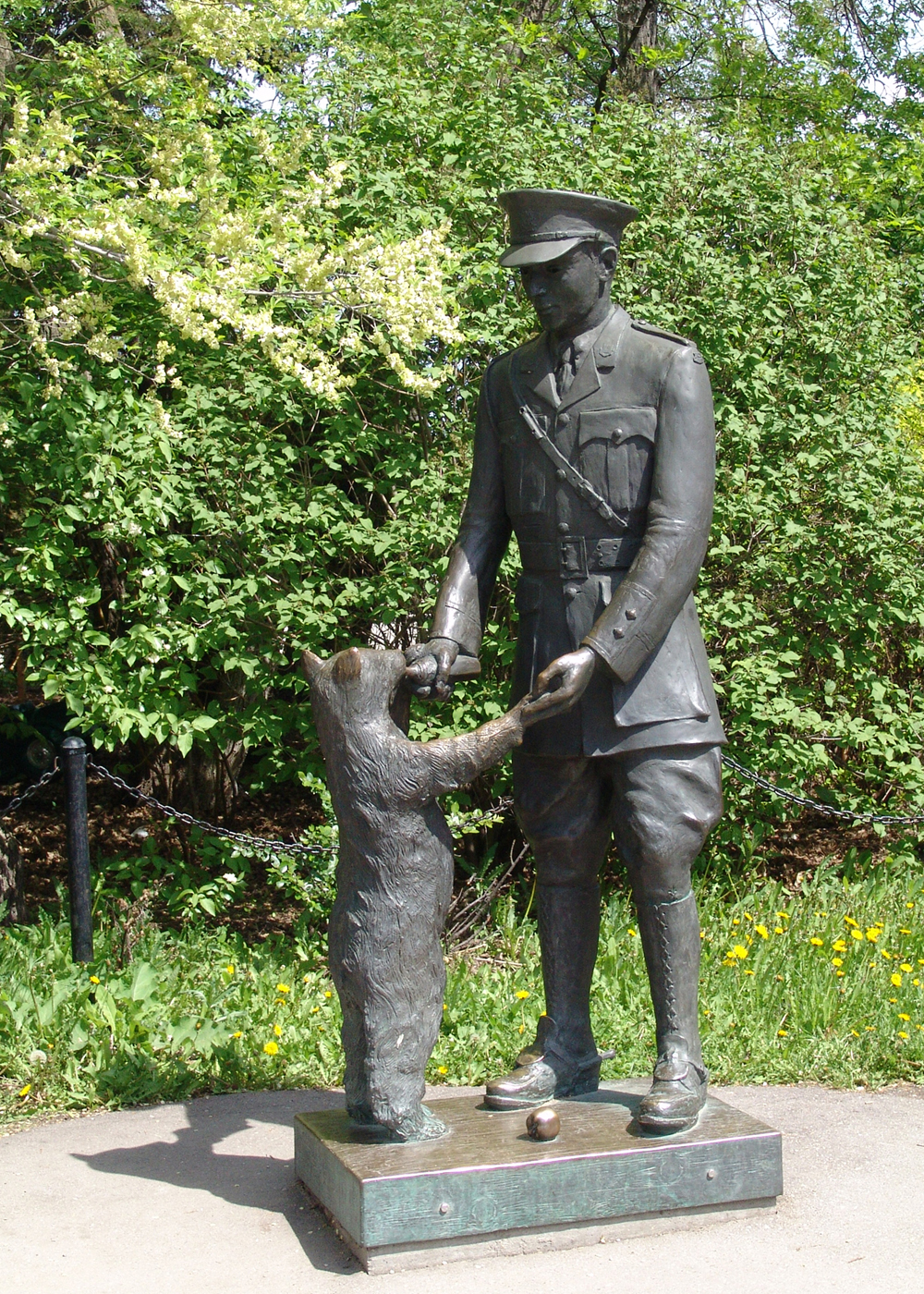 Winnie the Bear and Lieutenant Harry Colebourn statue in Assiniboine Park Zoo