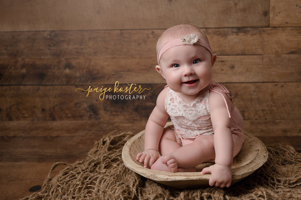 Milestone Sessions (3,6 & 9months)   • 1 hour Session Outdoors or In-Studio • 15 Digital Images • Custom Outfit Designed for you little one  Investment: $300
