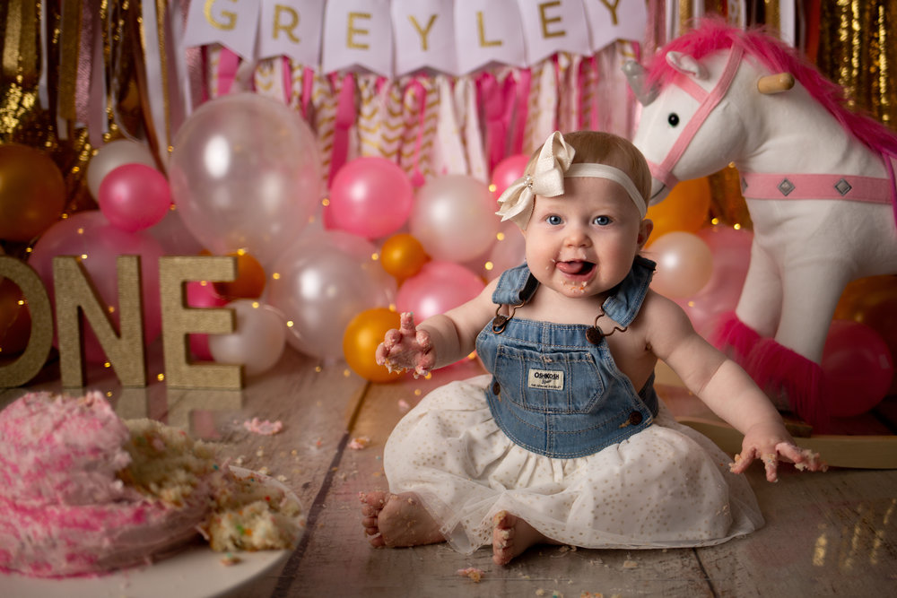 First Birthday - Mini - Non Cake Smash• 30 minutes• Decor included• 10 Digital Images•Proof Gallery & Print ReleaseInvestment: $300Full - Cake Smash• Up to 1 hour• Decor, Outfit & Cake included• 30+ Digital Images•Proof Gallery & Print ReleaseInvestment: $450