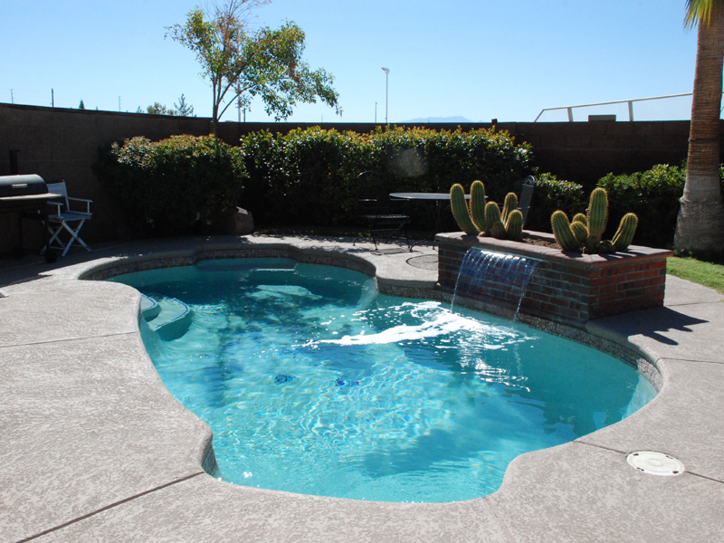u-viking-pools-freeform-freeport-3.jpg