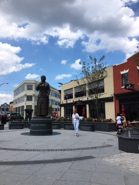 mlw statue.JPG