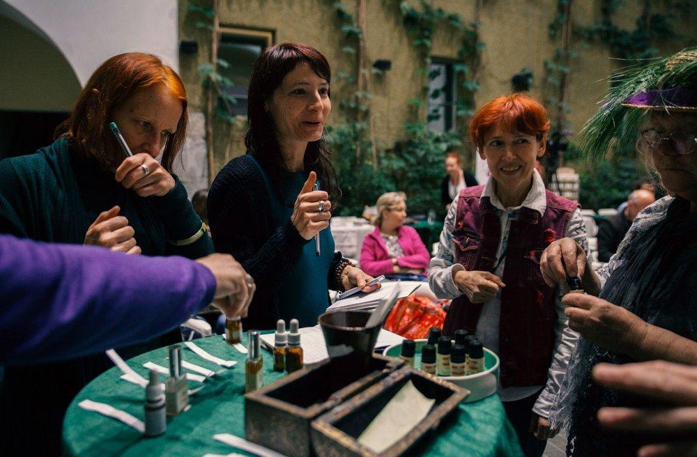 Aroma menjava - Izmenjava aromaterapevtskih materialov
