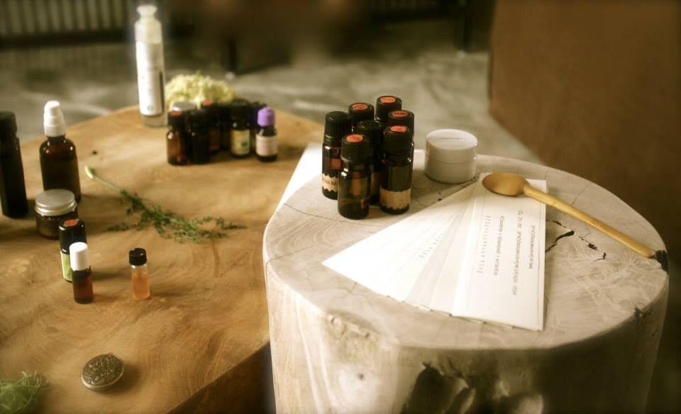Dišeči pečat - Razstava 100 % naravnih botaničnih parfumov