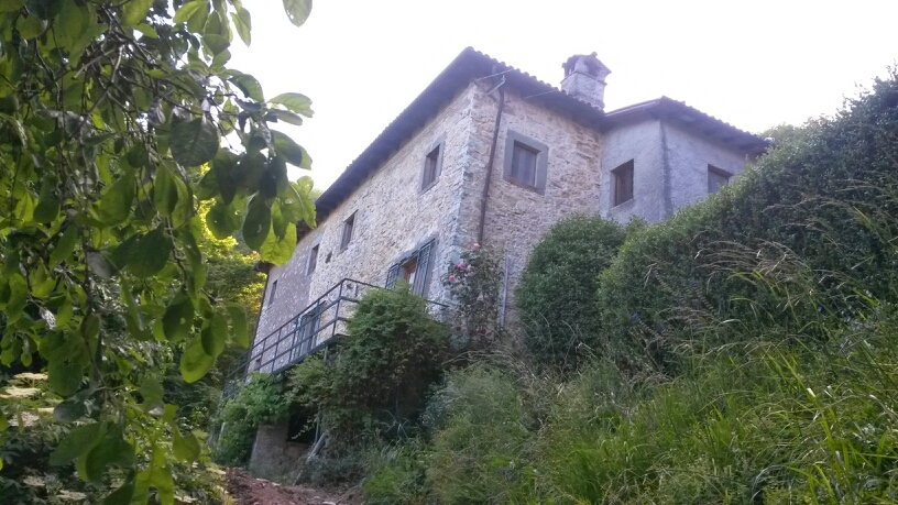 Canalecchia main house corner photo.jpg