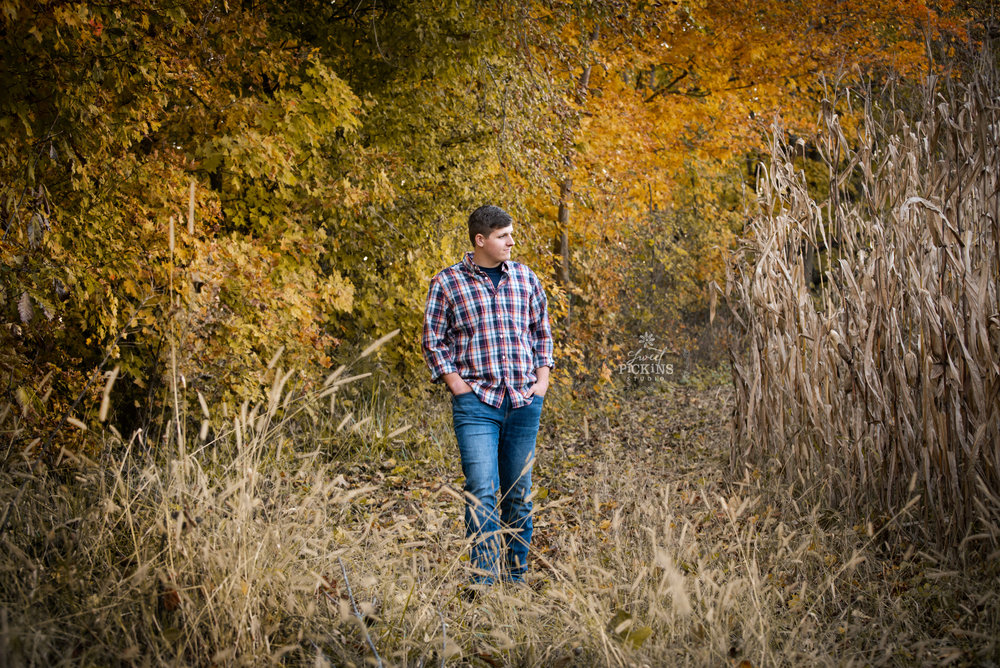 Maconaquah Senior Portrait Photography | Class of 2019 | Outdoor Fall Senior Pictures with Field of Corn and Fall Leaves in Color