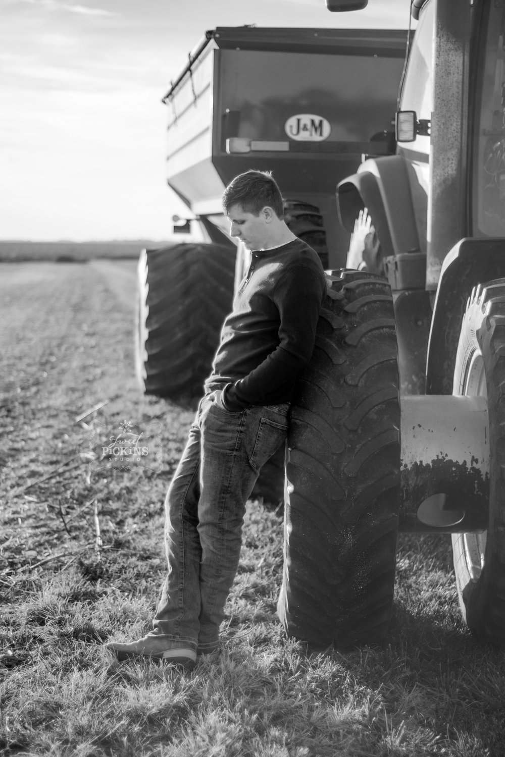 Peru, IN Senior Pictures | Farm Black and White